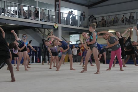 This is a warm up session at one of our Gymfun festivals. Warm up take place in all Gymfun classes